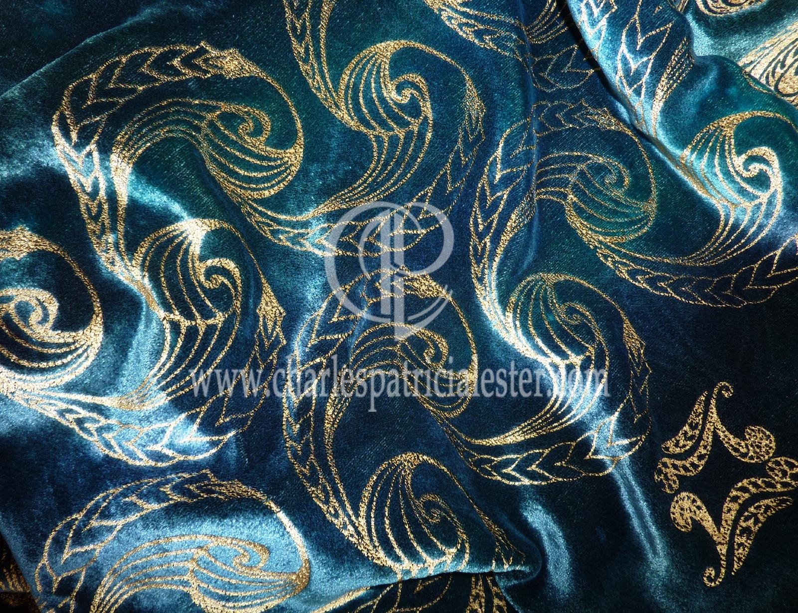 P1180567shell swirl gold